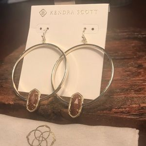 NWT Kendra Scott Elora Earrings in Goldstone!!